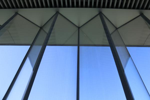 折线玻璃幕墙室内细部.jpg