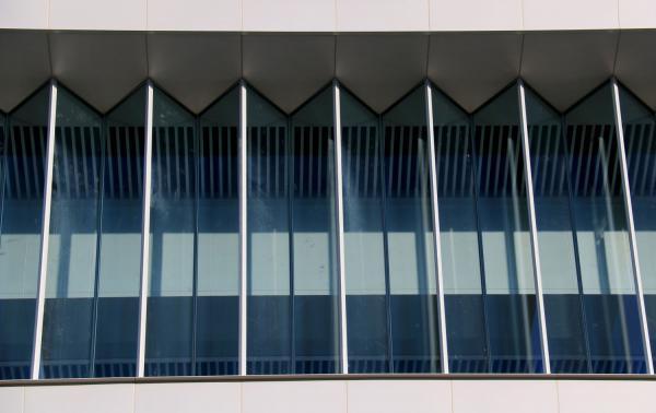 折线玻璃幕墙局部展示.jpg
